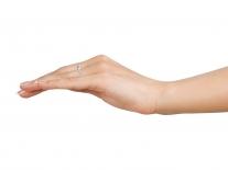 Fotografie prstenu od Danfilu navlečeného na prstě
