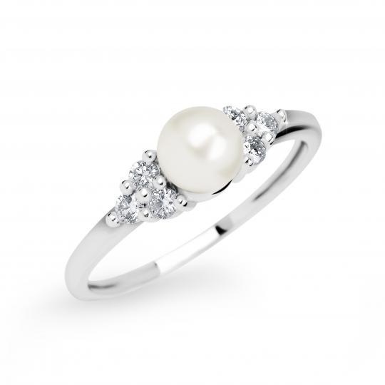 Zlatý dámsky prsteň DF 2549 z bieleho zlata, sladkovodná perla s diamantmi