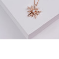 Dámsky prívesok Hviezda DF 4118 s retiazkou, ružové zlato, s briliantmi