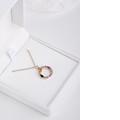 Zlatý prívesok v tvare písmena O, DF 4800, ružové zlato, farebné kamene